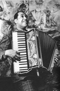"Duke Ellington playing accordion [I've added polish to this since I posted it a few hours ago.] Our friend Alan from the Vancouver Squeezebox Circle  sent me this: From the book 'Stomping the Blues' by Albert Murray I want to know more of the story of this picture – the date?  That's a 1930's style accordion I'd say. Cornell Smelser played accordion and recorded with Ellington in 1930, I wonder if that could possibly be his? (Like Lennon picked up the session guy's when they were recording, ""All You Need is Love."") That would be a treat; Cornell died soon after of TB and [Correction, I just heard from Cornell's family that he lived a long life after his jazz career. I look forward to more such happy errors!] not many jazz accordionists stepped in to take his place. My fave Cornell track:  ""Double Check Stomp"" from 1930.  One copy I have lists it as by, ""The Jungle Band,"" that's Ellington's orchestra. Texte issu de:https://accordionuprising"