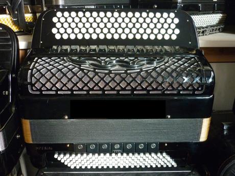 accordeon bugari quatre voix double boite de resonance