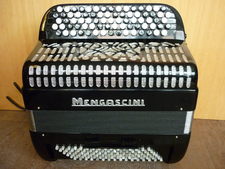Accordeon Mengascini deux voix basses convertisseur