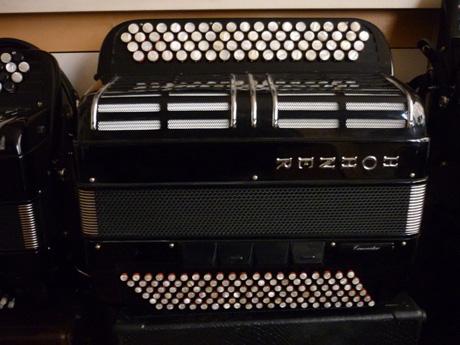 Accordeon Hohner trois voix basses convertisseur