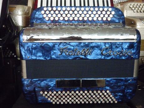 Accordeon Fratelli Crosio trois voix quatre vingt seize basses